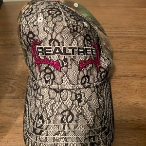 Women's Realtree Camo and Lace Hat